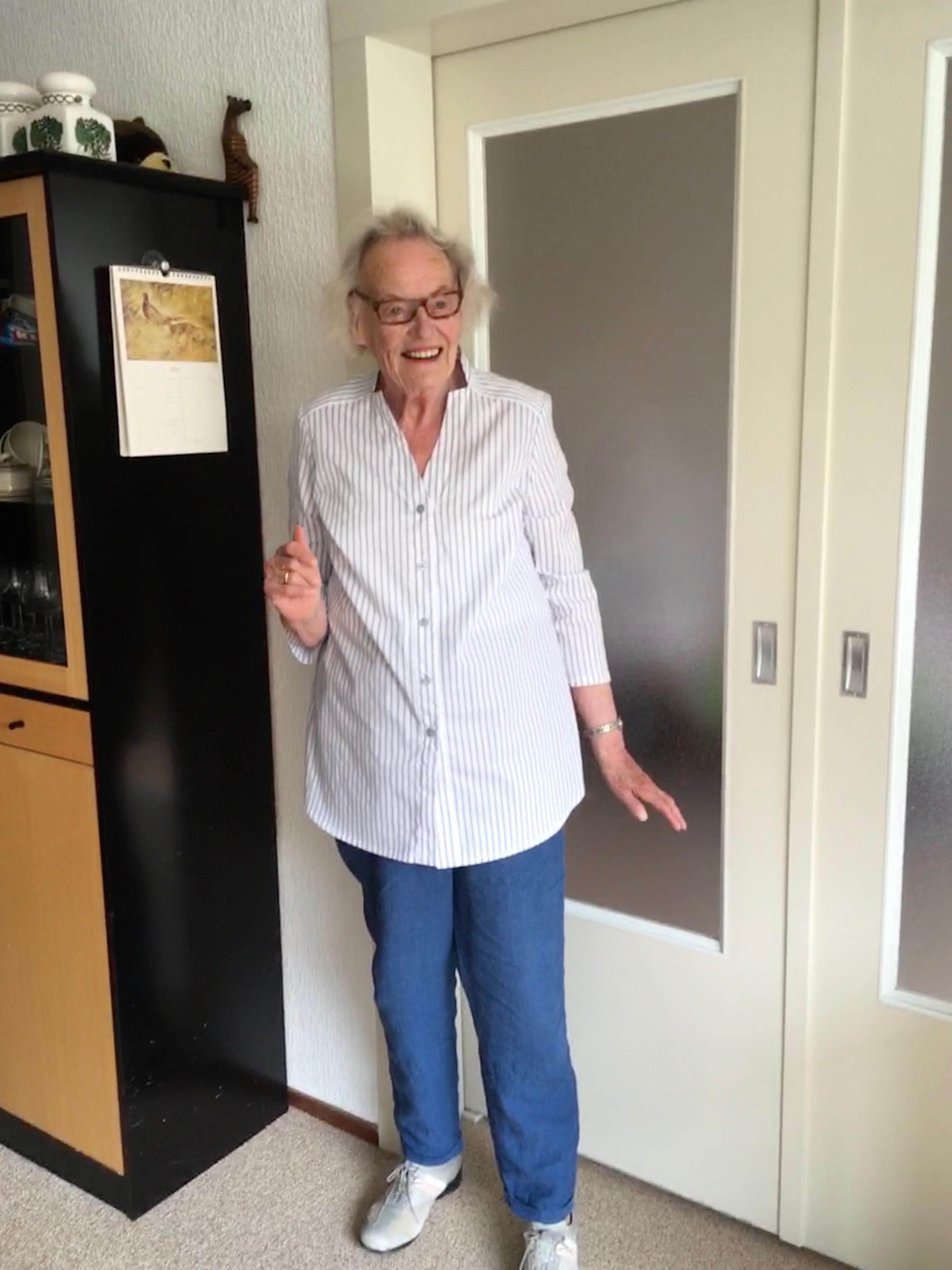 Burdastyle 2018-02 #128 driekwart mouw blouse