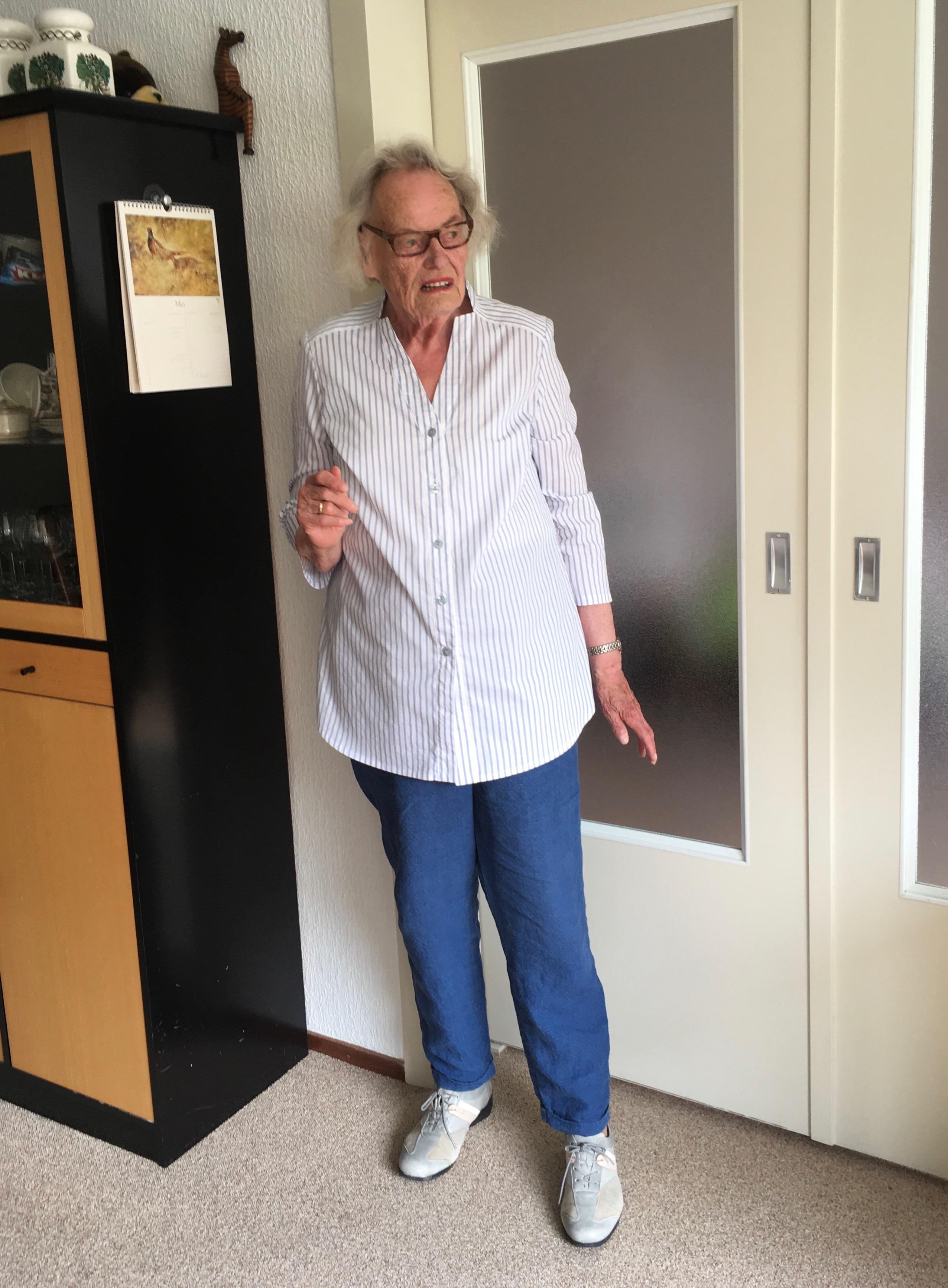 Burdastyle 2018-02 #128 3/4 Sleeve Blouse