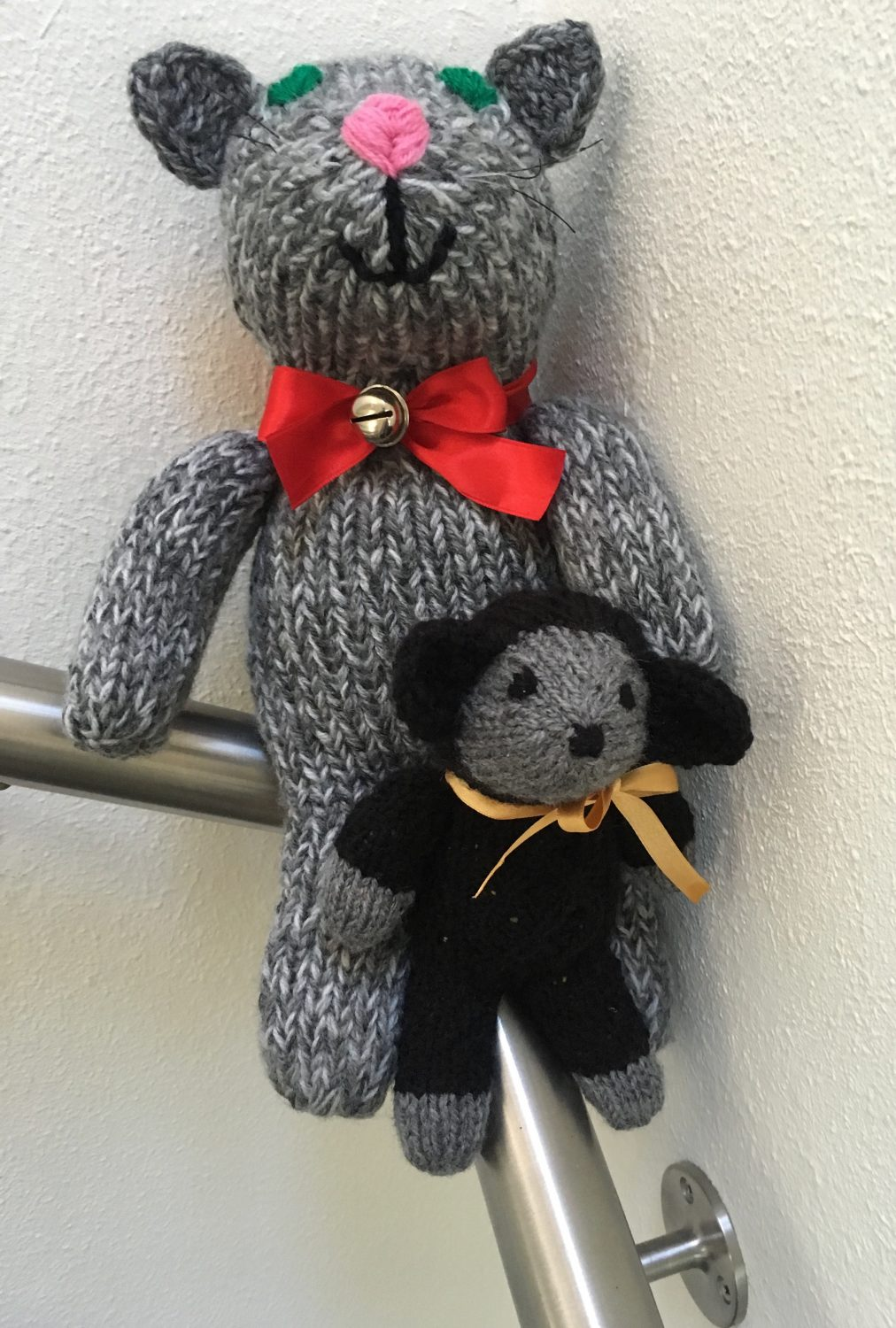 Knitting two Sock Critters